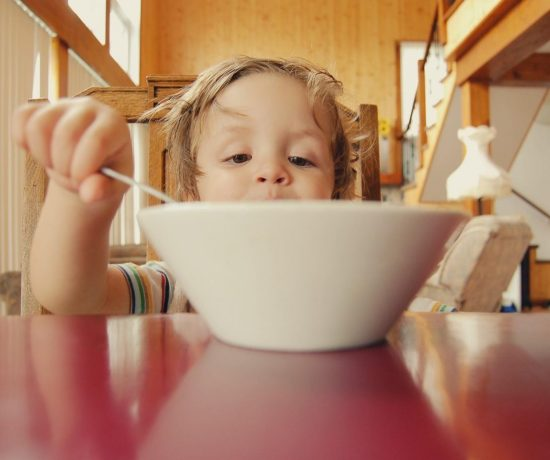 How to handle not-so-helpful feeding advice for your family | On Playwithfood.com.au by Kirsty Russell from Positive Special Needs Parenting