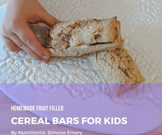 homemade fruit filled cereal bars for kids | With tips by children's nutritionist, Simone Emery